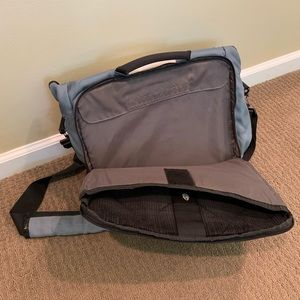 Timbuk2 Bags - Timbuk2 laptop briefcase messenger style bag